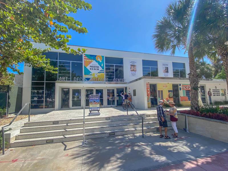 Art Deco Welcome Center aan Ocean Drive.
